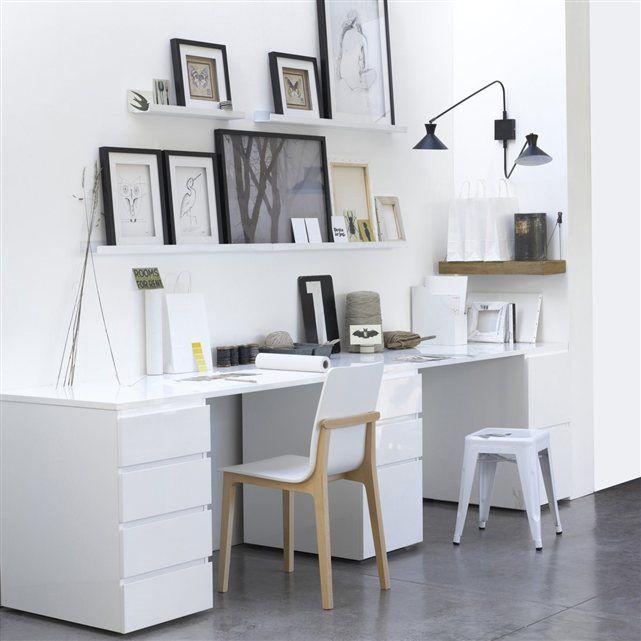 Bloc 4, 3 ou 2 tiroirs à combiner avec le plateau et le piètement pour créer votre propre espace de travail selon vos besoins et la place dont vous disposez. Lignes épurées sobres et intemporelles. Façades lisses grâce aux poignées profilées.