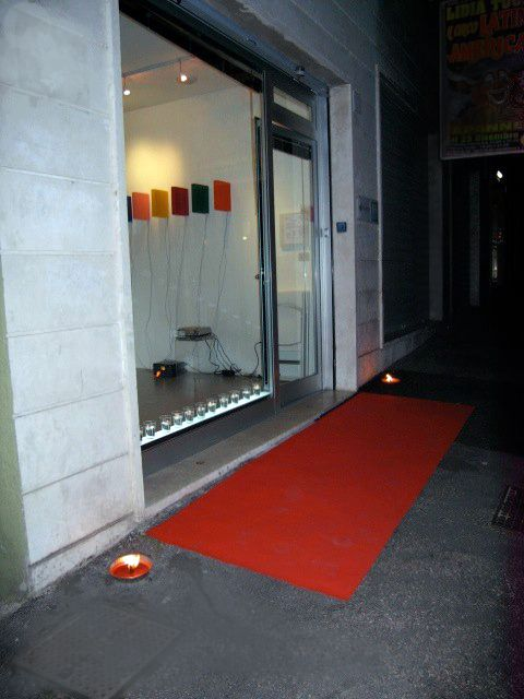 Libri luminosi di Andrew Rutt a studio.ra (2009) Roma