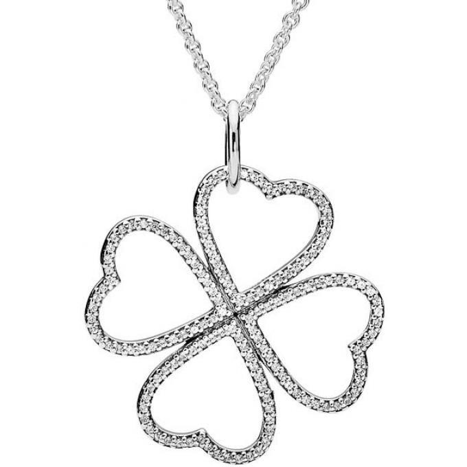 La personne qui possédera ce collier Pandora Saint Valentin 2016 sera bien chanceux!