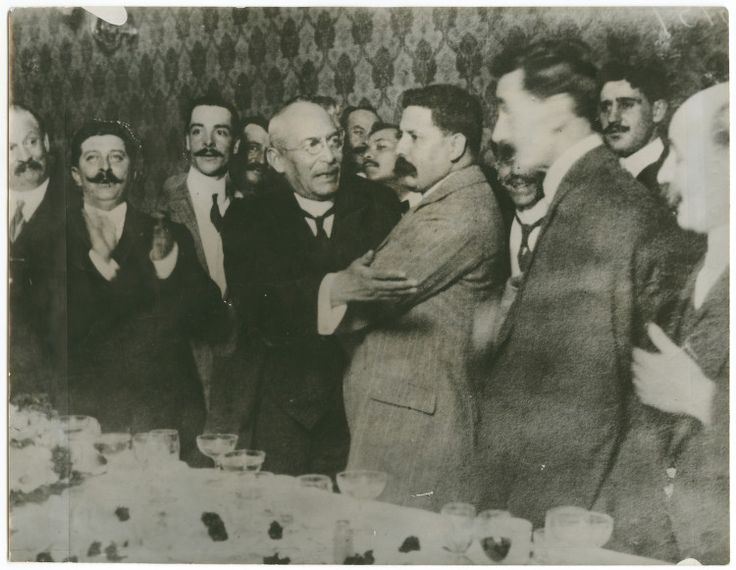 [President Huerta (center left) and Felix Diaz (center right) at Diaz' farewell banquet] | Flickr - Photo Sharing!