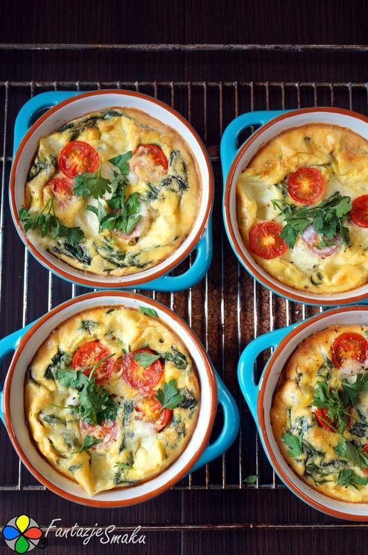 Mini frittata ze szpinakiem, mozzarellą i pomidorkami koktajlowymi http://fantazjesmaku.weebly.com/mini-frittata-ze-szpinakiem-mozzarell261-i-pomidorkami-koktajlowymi.html