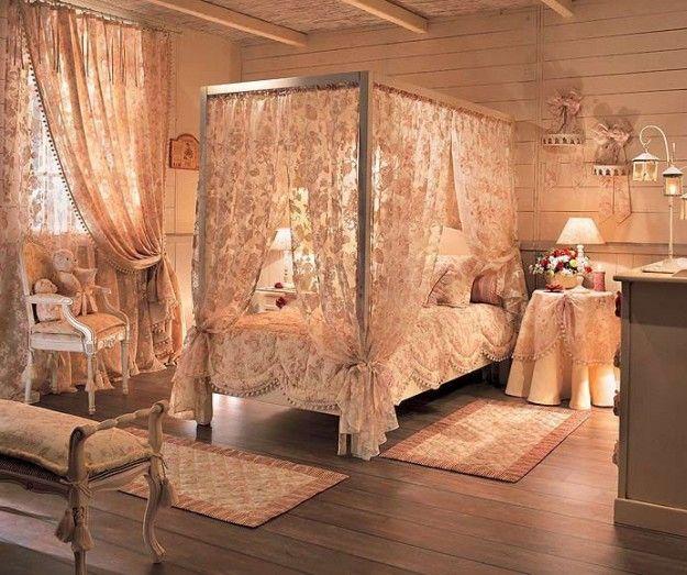 Tessuti preziosi per la camera - Letto a baldacchino con tende in ...