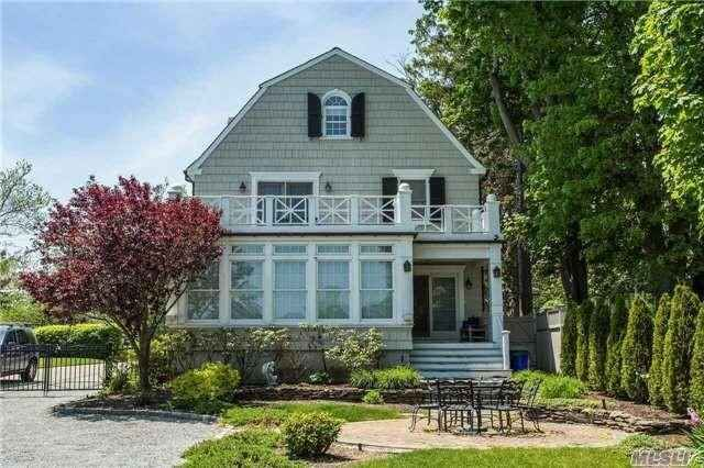 A notorious Long Island home has returned to haunt real estate listings. The five-bedroom colonial house in Amityville, LI — where Ronald DeFeo Jr. brutally slaughtered his parents and four sibling…