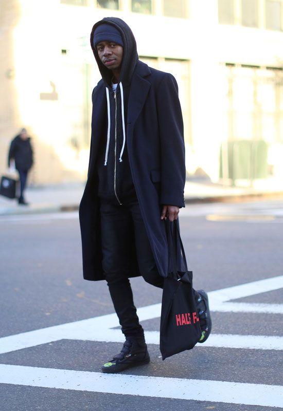 2017-04-20のファッションスナップ。着用アイテム・キーワードはコート, スニーカー, チェスターコート, デニム, ニットキャップ, バッグ, パーカー, 黒パンツ,etc. 理想の着こなし・コーディネートがきっとここに。| No:207564