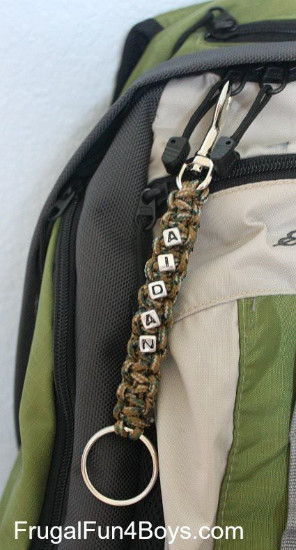 Here's a fun project for back-to-school time - make some parachute cord key chains to decorate backpacks! Here's how to make them (2 styles): http://frugalfun4boys.com/2013/08/13/how-to-make-parachute-cord-keychains/