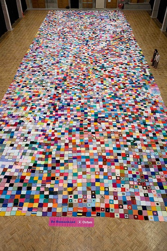 Oxfam's giant knitted petition by Oxfam Leeds, via Flickr