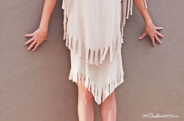 You won't believe how easy it is to make this Indian costume | It's almost completely no sew, and you won't believe what it's made from! {OneCreativeMommy.com} DIY Halloween Costumes for Kids