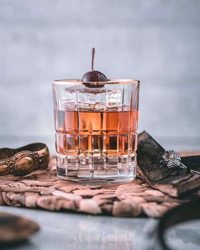 Drink of the Week: Mistletoe Martini from Davio's Boston ...