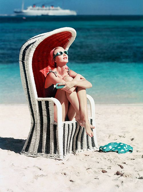Vintage beach #art #nouveau www.varaldocosmetica.it/en the olive oil cosmetics from the italian riviera!