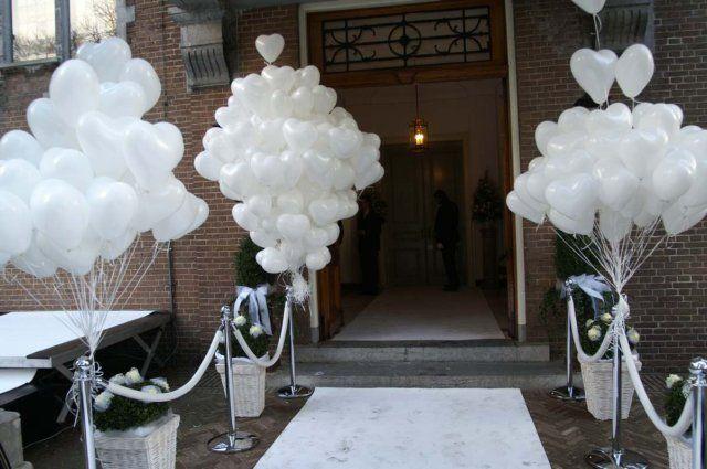 Witte ballonnen en hart ballonnen  voor op je bruiloft! Verkrijgbaar bij www.hiephiepballon.nl in handige doe-het-zelf pakketten!