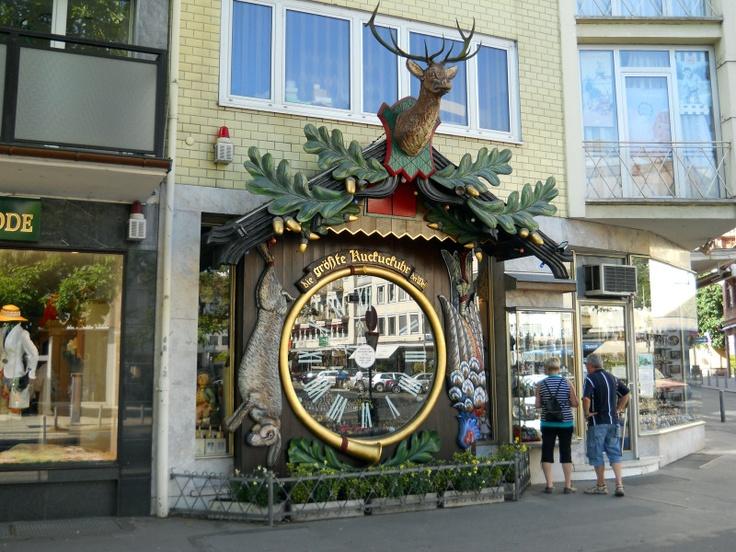 Die größte Kuckuckuhr der Welt = The world's largest cuckoo clock    Wiesbaden, Germany