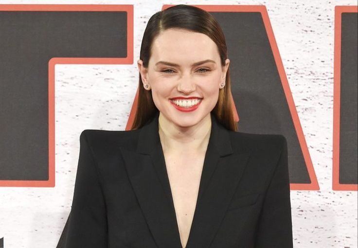 Daisy Ridley age and net worth - and is the Rey actress dating Tom Bateman?