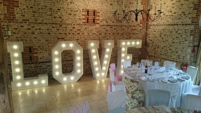 Upwaltham Barns – 5ft Light Up LOVE Letters