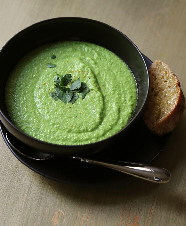 Vegan green pea soup with just a handful of ingredients and about 30 minutes!