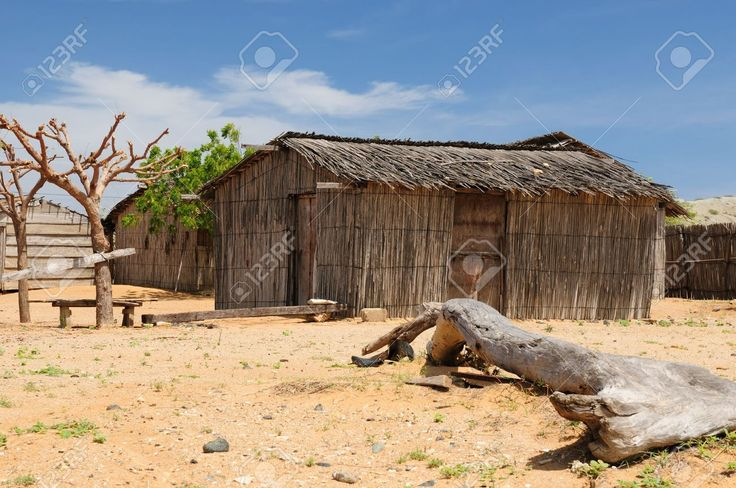 17787047-Colombia-wild-coastal-desert-of-Penisula-la-Guajira-near-the-Cabo-de-la-Vela-resort-The-picture-pres-Stock-Photo.jpg (1300×863)