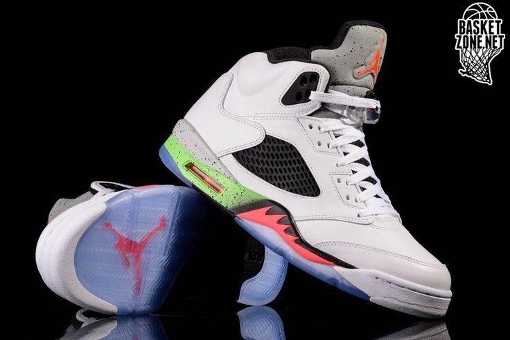 Basketbal winkel - Basketzone.net. Basketbalschoenen, sportschoenen, basketbal kleding. Check de beste online aanbod.