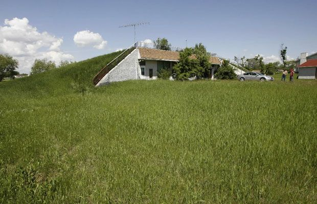 Underground Homes for Sale   GRANDE POINTE, Man. - The advantage of living in an underground house ...