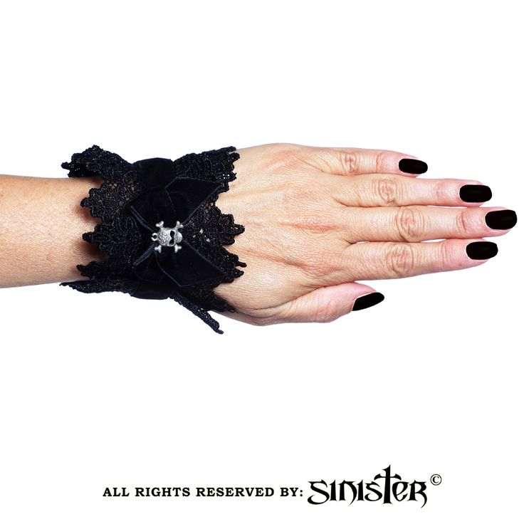 Collection 2015 - Gothic lace cuffs with larg velvet bow and metal skull by Sinister (A024) www.sinister.nl
