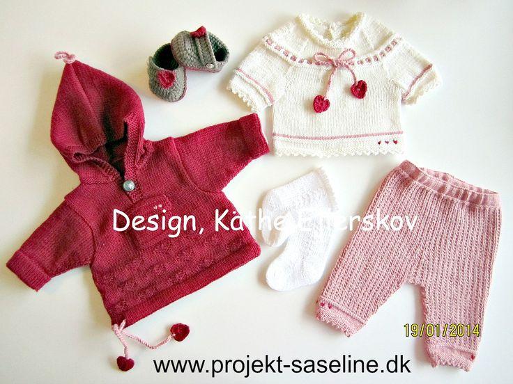 Baby born opskrifter 43 cm. bukser anorak strømper sko og tunika i dejlige rosa farver med hjerter.