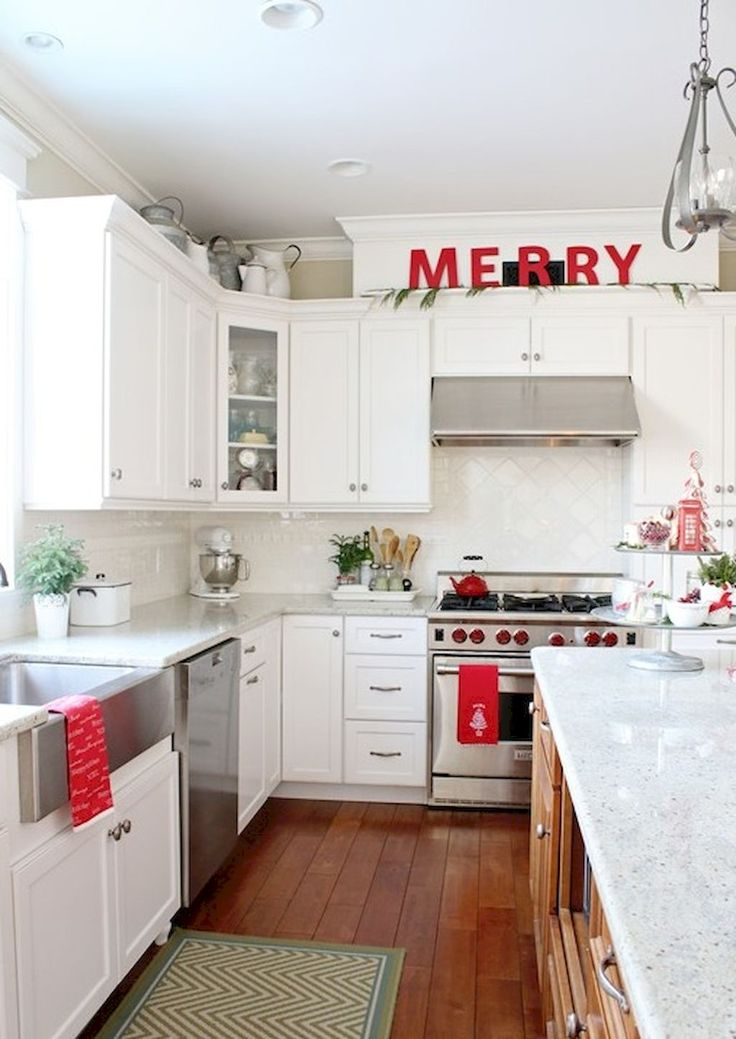 Cool 40 Joyful Christmas Decorating Ideas for Your Kitchen https://crowdecor.com/40-joyful-christmas-decorating-ideas-kitchen/
