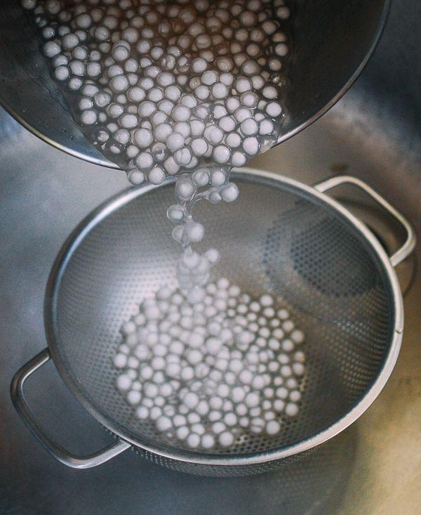How To Cook Tapioca Pearls With Step By Step Photos The Woks Of Life Recipe In 2020 Tapioca Pearls Tapioca Tapioca Dessert