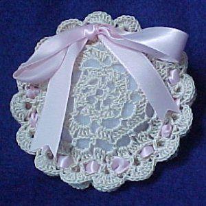 Rings of Shells Sachet - A free Crochet pattern from jpfun.com.