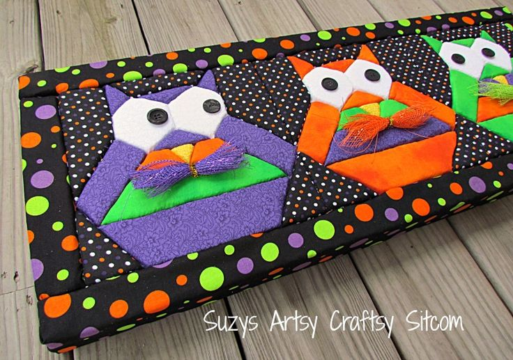 """Halloween Hooty Owls- No-sew """"quilted"""" wall art"""