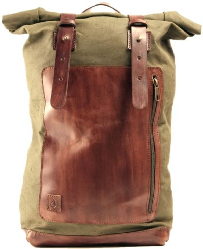 OLIVE GREEN SAILOR BACKPACK  Backpack made of olive geen waterproof canvas and hand-colored brown leather. Color and hue of Disappear's products may be slightly different from one to another due to the nature of the material and manufacturing. This makes each disappear creation so unique.  Dimensions: About 55x26x14 (total length), front pocket 22x28 - shoulder strap width 3cm  -  Zaino Sailor's Backpack - Darkbrown version. Zaino realizzato in tela verde oliva resistente all'acqua e cuoio…
