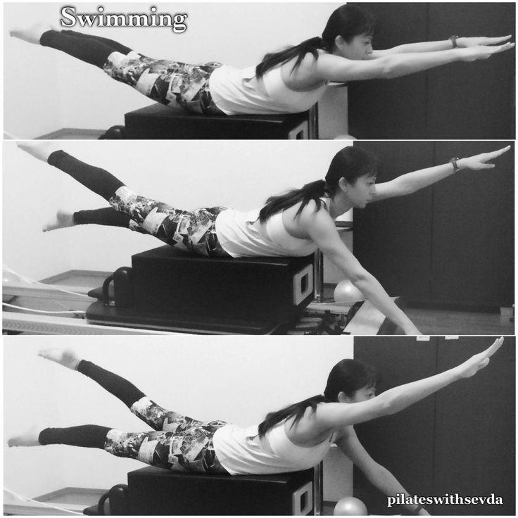 ⏩Swimming on Reformer  ✅Stabilizes the spine, helps strengthen your lower back and glutes, as well as improves your posture. ✅This is one of the great exercises for scoliosis, kyphosis and postural misalignment cases.  ✅Omurgayı stabilize eder, bel bölgesi ve kalça kaslarını güçlendirir, vücut duruşunun düzeltilmesine yardımcı olur. ✅Bu egzersiz, skolyoz, kamburluk ve duruş bozukluları durumları için faydalıdır.