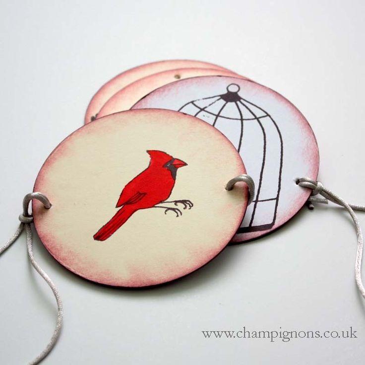 Red cardinal Thaumatrope optical illusion toy (Sleepy Hollow)