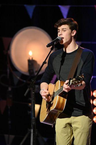 Shawn Mendes Radio Disney Performance