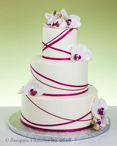 Decoreren met linten #bruidstaart #weddingcake
