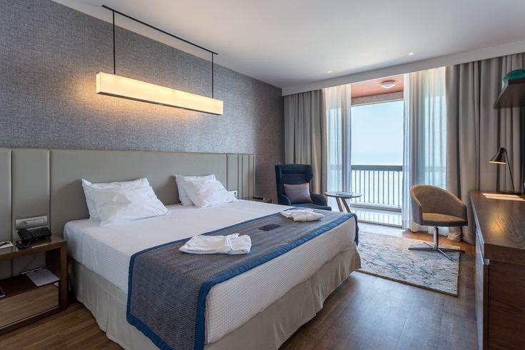 Ο Δημήτρης Σταθόπουλος μένει στο ξενοδοχείο μια μέρα πριν τα επίσημα εγκαίνιά του και καταγράφει εντυπώσεις.