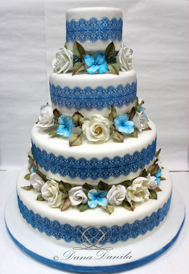 A simple cake in white and blue - Cake by Dana Danila