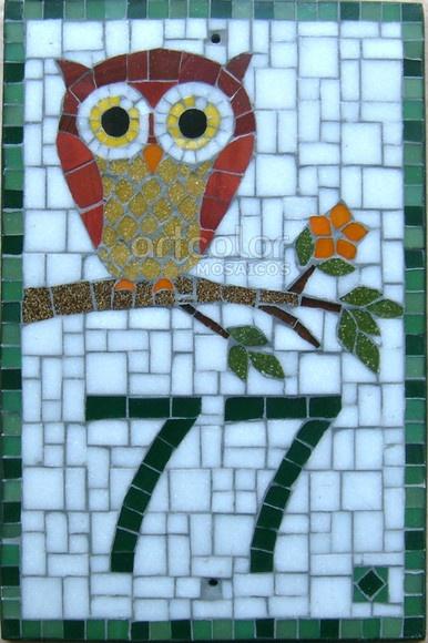 Numeral em mosaico com pastilhas de vidro e base sólida Especial contra intempéries (ação do tempo: chuva, calor, vento). Pode ser instalada em àreas internas e externas.  Com furos para fixação (Opcional). R$160,00