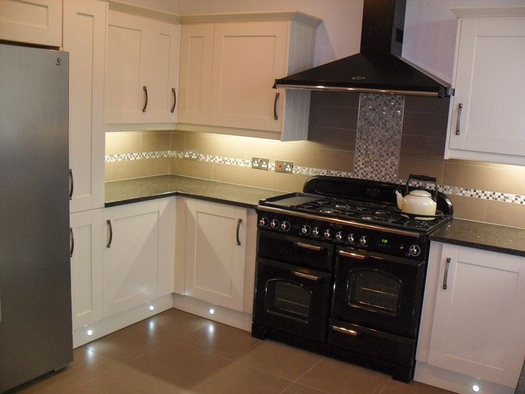 How To Design A Kitchen Using A Range Cooker Google Search Kitchen Pint