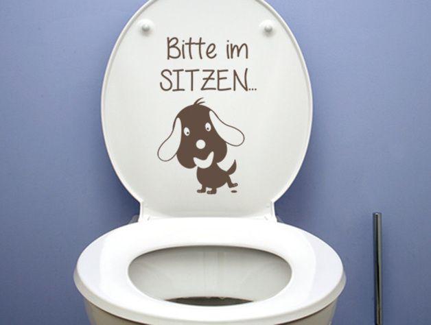 Wandtattoo - Wandtattoo Badezimmer Aufkleber Bitte im Sitzen - ein Designerstück von Wandtattoo-bilder bei DaWanda