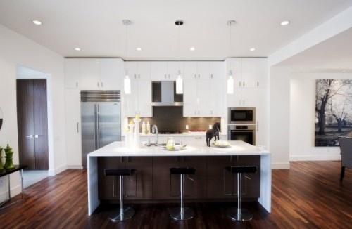 Modern White Kitchen with a lighter taupe splashback?