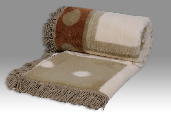 Sesli Textiles Lily Frill Blankets
