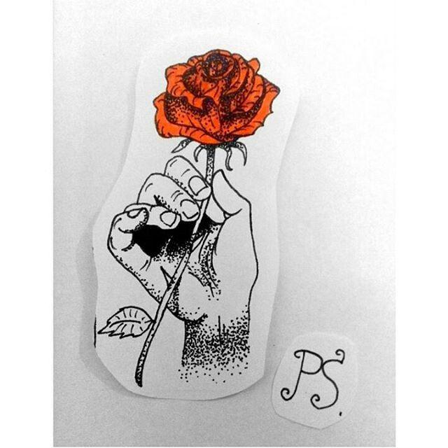 #тату #татуха #татуэскиз #эскиз #дотворк #графика #роза #рука #розавруке #краснаяроза #tattoo #tattoosketch #sketch #dotwork #graphic #rose #hand #roseinhand #redrose