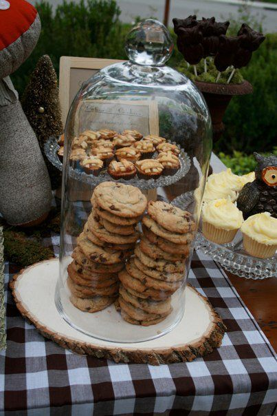 cute way to arrange cookies or other food