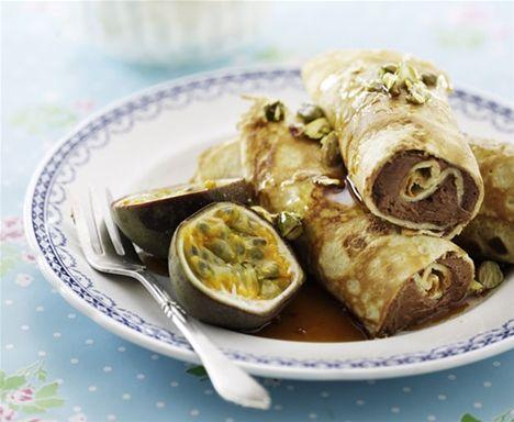 Pandekager med chokomousse og passionsfrugt