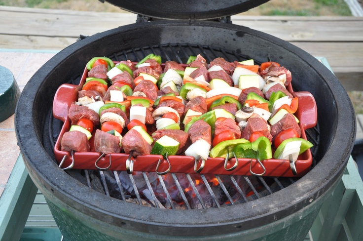 Big T's Big Green Egg - Beef Kabobs