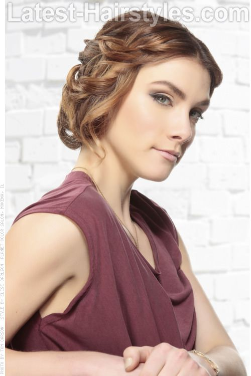 cheveux blonds longue avec Ringlet CurlsLes dernières Coupes de cheveux Tresses   #hair #hairstyle #hairstyles Are you not in love with this hairstyle? Yessss would you like to visit my site then? #haircolour #haircolor #haircut #braid #longhair