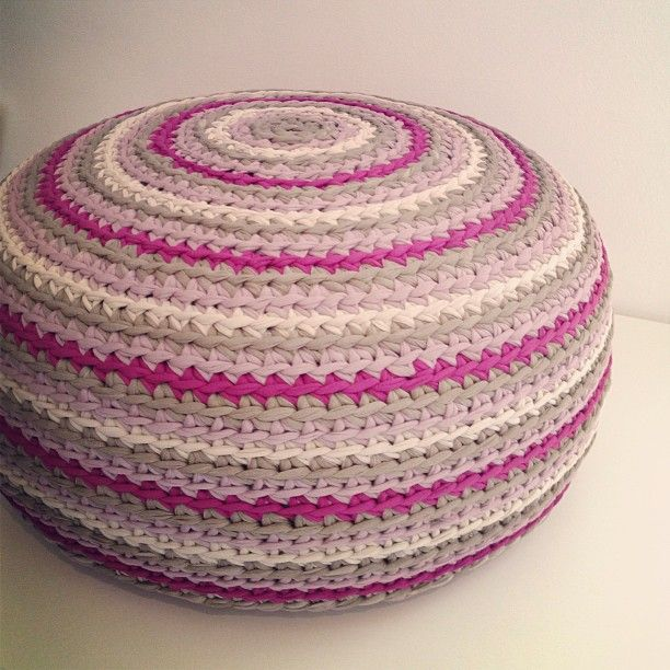 Crochet T-shirt yarn pouf  by Osa Einaim :)