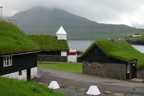 Green Roofs and Rainwater Harvesting can work together. Article. DOC particles must be filtered but it can work fine.