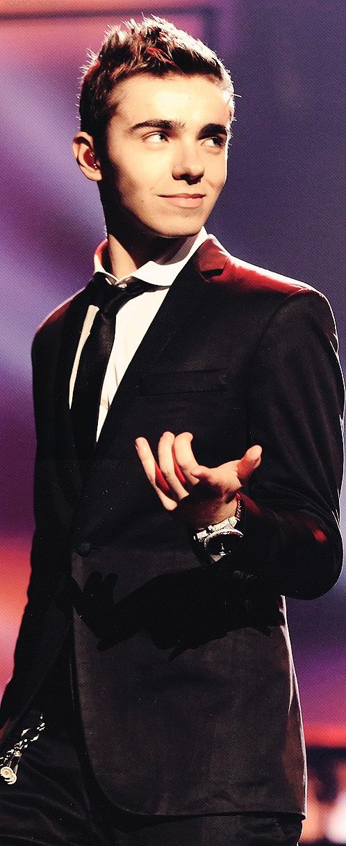 I love it the way Nathan points in I Found You! =-)