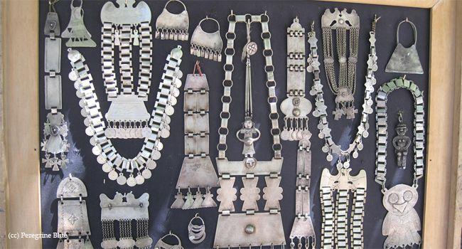 Joyeria de plata tipica pueblo mapuche.