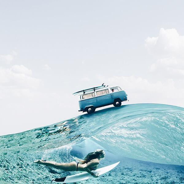Combe surfando. Foto manipulação de Luisa Azevedo