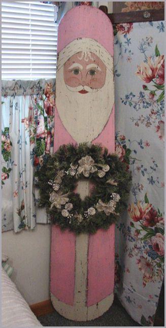 "Tabla de planchar reciclada a Pink Papá Noel?? ""pink Santa"" i painted an antique ironing board ~mbr~"